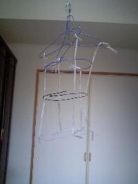Costume_hanger_3
